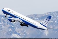 United Airlines N584UA Boeing 757-222 aircraft picture