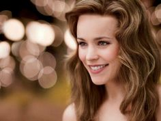 Rachel McAdams That Smile is intoxicating Rachel Mcadams Blonde, Rachel Anne Mcadams, Adrienne Bailon, Canadian Actresses, Kate Beckinsale, Christina Hendricks, Mean Girls, Girl Crushes, Summer Hairstyles