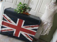 Union Jack  Vintage Dresser  LOVE this one....!!!    CrystelleBoutique