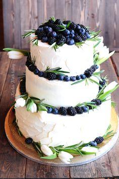 Свадебный торт, трехъярусный свадебный торт , ТОРТ С тюльпанами, ягодный торт, торт с тюльпанами и ягодами, Wedding cake with tulips, wedding cake with berries and flowers