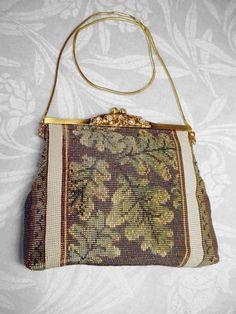 Naomi Sakuma - oak leaf beaded (loom) bag