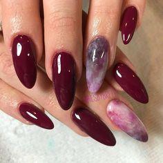 Semi-permanent varnish, false nails, patches: which manicure to choose? - My Nails Acrylic Nails Stiletto, Almond Acrylic Nails, Fall Acrylic Nails, Almond Nails, Acrylic Nail Designs, Glitter Nails, Shellac Nails, Nail Nail, Hot Nails