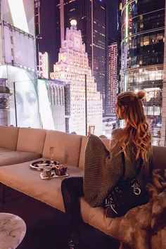 New York City Guide: Die 5 neuen Hots Spot im Big Apple - Fashion Week New York Die 5 neuen Hot Spots im Big Apple! Source by ELLE_Germany - New York Fashion, Ohh Couture, New York City Guide, New York 2017, Leonie Hanne, City Vibe, City Aesthetic, Aesthetic Girl, City Lights