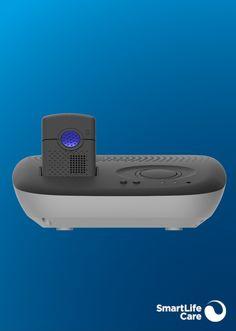 Das flexible Multitalent |Flex ist das Rundum-Sorglos-Paket. Ideal, wenn Sie gerne auf Tour sind und zu Hause doch das Beste wollen. Es kombiniert den mobilen Notruf mit einer Basisstation mit grossem Lautsprecher für zu Hause. Mobiles, Bluetooth, Electronics, Black Bracelets, Light Blue, Appliances, Stainless Steel, Music Speakers, Blue Tooth