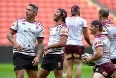 Cooper Cronk Photos - (L-R) Corey Parker, Johnathan Thurston and Cooper Cronk share a laugh during a Queensland Maroons State of Origin training session at Suncorp Stadium on June 2016 in Brisbane, Australia. Best Football Players, Soccer Players, Johnathan Thurston, Australian Football, Rugby Men, Brisbane Australia, Rugby League, Photo L, Beautiful Men