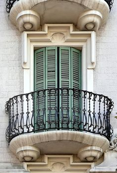 Barcelona - Rambla Catalunya 045 d Italy Architecture, Vintage Architecture, Art Nouveau Architecture, Architecture Details, Stair Railing Design, Balcony Railing, Juliette Balcony, Barcelona, Bar Interior Design