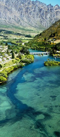 Lake Wakatipu and The Remarkables, near Queenstown, South Island , New Zealand