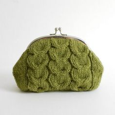 Macaroon Knitted Purse Kit – Raspberry Sundae and Pistachio « Cotton and Cloud