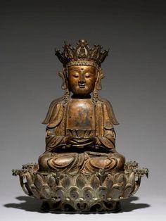 IMPORTANTE SCULPTURE DU BOUDDHA AMITABHA EN BRONZE LAQUÉ OR, CHINE, ÉPOQUE MING, XVIe-XVIIe SIÈCLE