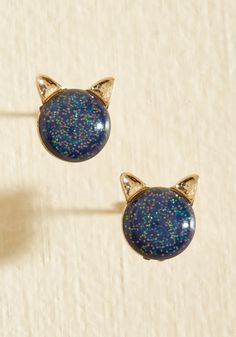 Pet Behind the Ears Earrings. When it comes to accessorizing with these stud earrings, you're anything but novice.  #modcloth