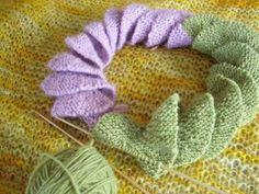 Knitting Out Loud: corkscrew scarf