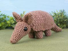 Armadillo crochet pattern by PlanetJune