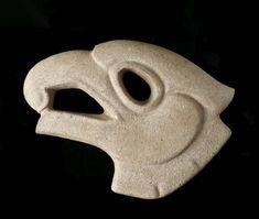 Hacha votiva.totonaca, Esculpida en piedra. Culturas del Golfo, Veracrúz, México. Perteneciente al período Clásico, 250-650 D. de C.