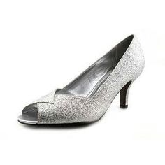 Silver heels: low heel, no ankle strap. Win win!