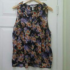 🔮New Sleeveless Flower Print Shirt Never worn. Cute top Tops Blouses