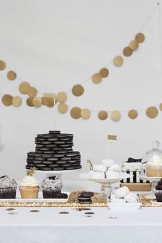 black white and gold party inspiration the house of grace favors were coming up on Black Gold Party, Black White Parties, White Gold, Gold Dessert, Dessert Bars, Dessert Tables, Black Dessert, Dessert Ideas, Oscar Party