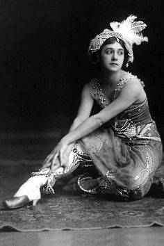 Tamara Karsavina, as Zobeida, in Scheherazade. Photo by E.O. Hoppe, 1911