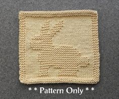 BUNNY RABBIT Knit Dishcloth Pattern - PDF Instant Download - Baby Wash Cloth Pattern - Knitted Dishcloth Pattern - Easy Knitting Pattern par AuntSusansCloset sur Etsy https://www.etsy.com/fr/listing/220923135/bunny-rabbit-knit-dishcloth-pattern-pdf