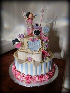 2 tier vanilla sponge, with butter cream and fondant decor Vintage Photo Booths, Vintage Photos, Fondant, Camera Cakes, Vanilla Sponge, Girl Cakes, Celebration Cakes, Christening, Birthday Cake