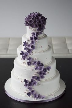 Gray and Purple Wedding Cakes | Purple Wedding Color - Combination Options