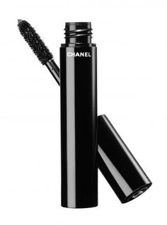 This #Chanel #mascara adds volume without clumps thanks to a special brush #beauty