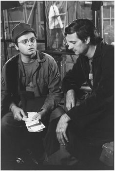 Still of Alan Alda and Gary Burghoff in M*A*S*H