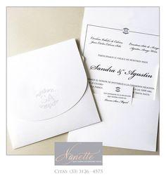 Invitaciones con realzado en seco, clásicas y elegantes.