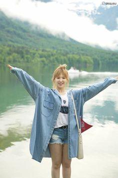 Photo album containing 26 pictures of Red Velvet K Pop, All Star, Velvet Wallpaper, Wendy Red Velvet, Red Velvet Seulgi, Kim Yerim, Velvet Fashion, I Love Girls, Season 3
