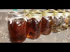 Making the best Vanilla Extract you have ever tasted. - YouTube Spice Blends, Spice Mixes, Homemade Vanilla Extract, Homemade Christmas Gifts, How To Make Homemade, Canning Recipes, Baking Tips, Food Hacks, Alcohol