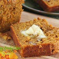 Snickerdoodle Pumpkin Walnut Bread @keyingredient #honey #delicious #bread