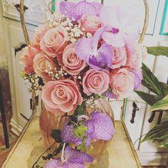 Enjoy your day Ann Helen&Tor Harald 31.05.2017 🌸 Bodas 2/5 #weddingbouquet #weddingbarcelona #norwaywedding #orchid #roses #orquidiabanda #floristeriasitges #livingwithflowerseveryday #weddingflowers #ramodenovia #vanda #orchidvanda