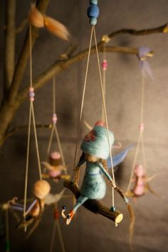 cute fairy ornaments on swings eco craft for kids at christmas Sanjavčki - Little dreamers Waldorf Crafts, Waldorf Dolls, Wet Felting, Needle Felting, Accessoires Mini, Felt Fairy, Clothespin Dolls, Fairy Dolls, Felt Dolls
