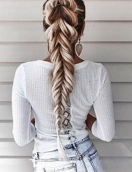 Fresh Spring Hairstyles To Bring A Little Change In Your Life Cute Braided Hairstyles, Trendy Hairstyles, Beautiful Hairstyles, Braided Ponytail, Plaid Fashion, Tomboy Fashion, Long Hair Designs, Cool Girl Style, Dope Style