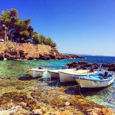 """Not all those who wander are lost ""- J.R. R Tolkien #dingac ❤️⚓️#peljesac #croatia #kroatien #hrvatska #sea #meer #more #adriaticsea #nature #mothernature #love #boat #barka #tree #life #vacation #travel #wanderlust #beauty #calm #earth #world #boot #inspiration #lifestyle #dream #paradise #discover"