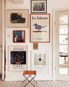 Diy Wand, Vintage Wall Art, Vintage Walls, Hobbies Ideas, Diy Wall Decor, Diy Home Decor, Wall Decorations, Living Room Designs, Living Room Decor