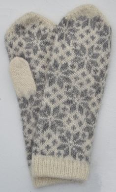 "Vante ""Stjärna & Fyrkant"" Double Knitting Patterns, Knitted Mittens Pattern, Crochet Gloves, Knit Mittens, Knitting Charts, Knitting Stitches, Knitting Socks, Hand Knitting, Knitted Hats"