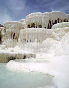 world's weirdest geological formations  -  ireland, scotland, etc.  natural oddities.     lj