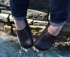 """Alegria Shoes Debra """"Choco Emboss"""" now on closeout from Alegria Shoe Shop"""