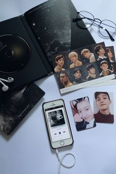 White Aesthetic, Kpop Aesthetic, K Pop, London Drawing, Exo Merch, Exo Album, Best Albums, Disney Toys, Black Wallpaper