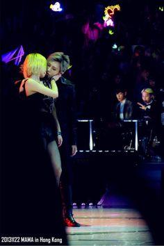 Trouble Maker Performance - lol GD and TOP's reaction! Hahahahahahaha