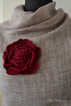 Decorative pin can pin scarf, decorate dress. Your imagination has no limits. Connected from cotton yarn. On the reverse side is sewn clasp. Link to