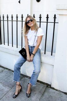 46 meilleures images du tableau White T-shirt en 2018   Mode ... df0097537444