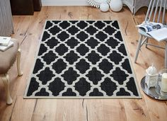 Trellis Flatweave Red Rug is a great value for your money. Durable & Practical choice for your floor. #flatweaverugs #modernrugs #blackrugs #traditionalrugs #largerugs #runners