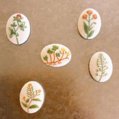 embroidery brooches #embroidery #刺しゅう#ブローチ#手作り#花