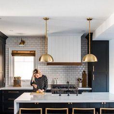 Home Decor Kitchen .Home Decor Kitchen Gold Kitchen, Home Decor Kitchen, New Kitchen, Kitchen Ideas, Black Kitchen Cabinets, Kitchen Decorations, Decorating Kitchen, Black Cabinets, Kitchen Small