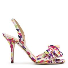 the shoes of all shoes.  i want these.  but first i need to justify.  #weddingshoes #bridalshoes