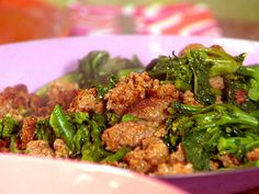 HEALTHY PALEO SWEET AND SPICY BROCCOLI, SPINACH, AND SAUSAGE RECIPE | Paleo Recipes for the Paleo Diet