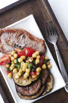 Lamme-koteletter med kikærtesalat og aubergine | Femina French Toast, Breakfast, Food, Eggplant, Spinach, Morning Coffee, Essen, Meals, Yemek