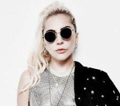"""Lady Gaga canta trecho de """"Hey Girl"""" em rádio #Cantora, #Disco, #Disponível, #Gaga, #Lady, #LadyGaga, #M, #MotherMonster, #Música, #Noticias, #Novidade, #Pop, #Popzone http://popzone.tv/2016/10/lady-gaga-canta-trecho-de-hey-girl-em-radio.html"""