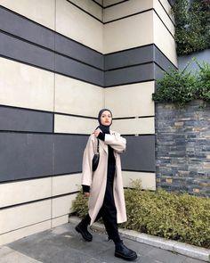 Modest Fashion, Hijab Fashion, Women's Fashion, Mode Hijab, Hijab Outfit, Winter Outfits, Instagram, Casual, Photos